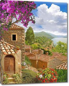 Вид с горы на небольшой городок