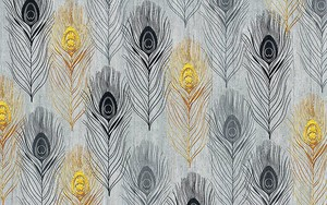 Серый текстурированный фон, золото, серые и черные павлиньи перья