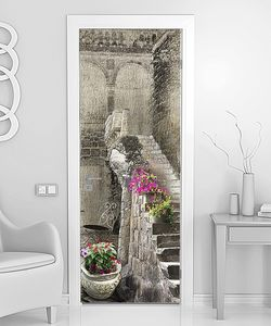 Фонарь, цветы, лестница