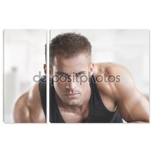 Мускулистые горячий парень