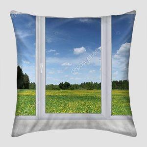 Окно с летним пейзажем