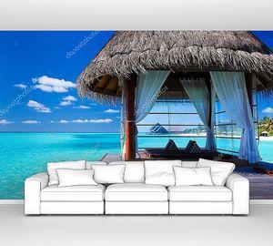 Над водой спа-салон и бунгало в тропической лагуны