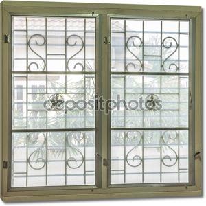 окно с изогнутой стальной