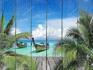 Красивый пляж с лодками аборигенов