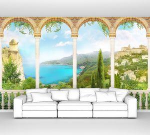 Большой балкон с видом на природу и город
