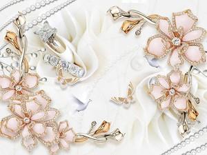 Белый фон ткани, позолоченные цветы с кристаллами