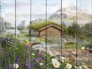 Небольшой домик лесника в поле