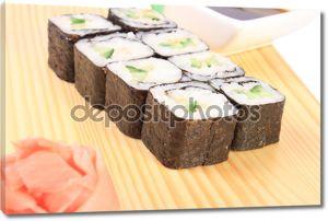 Суши Маки с огурцом