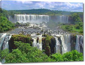 Огромные водопады