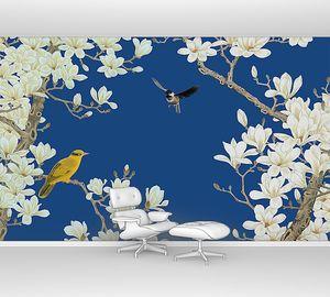 Желтая птичка на цветущих ветках