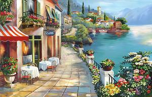 Красивая набережная с множеством кафе