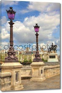 фонарные столбы на новый мост. Париж, Франция.