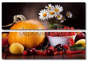 Натюрморт с фруктами и тыквой