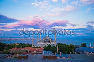 невероятно прекрасный вид на Голубую мечеть с террасы отеля