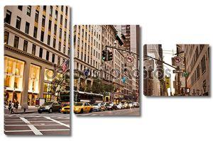 желтые такси в Нью-Йорке