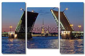 Петропавловская крепость и открытых Дворцовый мост