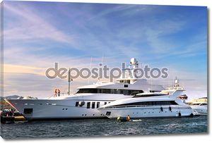 Роскошные яхты в Сан-Тропе