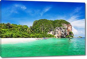 Очень красивый пляж