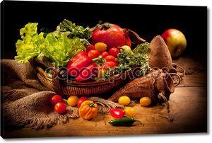 Натюрморт с овощами и керамики