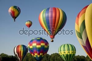 Воздушные шары по возрастанию или запуска на фестивале, полеты на воздушном шаре