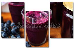 стакан свежего виноградного сока, виноградного сока консервной