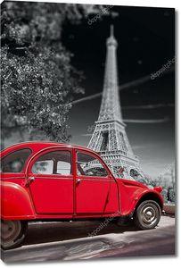 Эйфелева башня со старой красной машиной