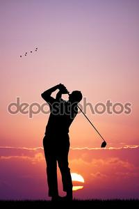Гольф на закате