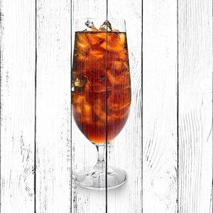 Кока кола в стакане со льдом