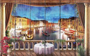 Прекрасный вид с балкона на ночную Венецию