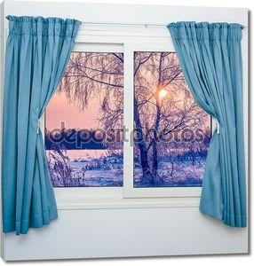 Вид из окна с занавесками
