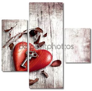 ключ с сердцем как символ любви