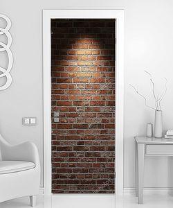 Кирпичная стена со следами от софитов