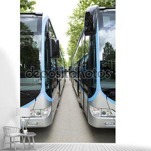 Новый современный городской автобус