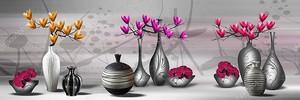 Красочные цветы в вазах
