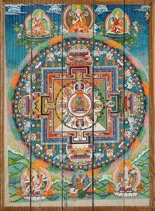 Старая буддийская фреска на воротах тибетского монастыря
