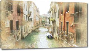 Узкий канал в солнечной Венеции