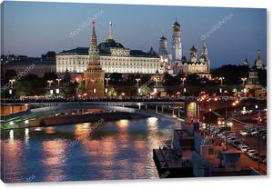Россия, Москва, ночная точка зрения из Москвы-реки, моста и k