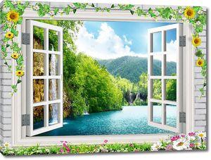 Открытое окно, вид на озера и холмы