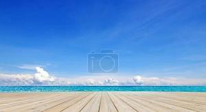 красивый пляж и тропическое море