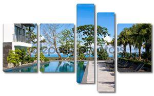 Бассейн в роскошный курорт на берегу моря