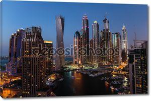 Общий вид Дубай Марина ночью сверху