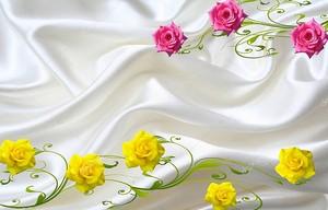 Шелковый фон, большие желтые и розовые розы