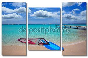Ибица, Форментера ses illetes пляж с серфинг