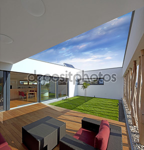 небольшой частный сад внутри дома