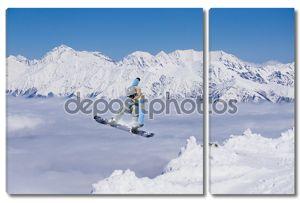 Летящий сноубордист
