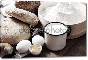 Натюрморт с хлебом и яйцами