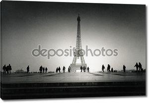 Эйфелева башня черно-белая фотография