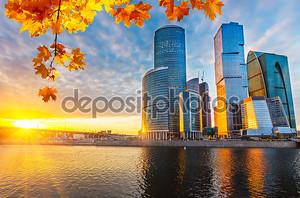 Город в закате