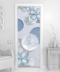 Светло-голубые цветы и бабочки