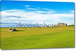 Сент-Эндрюс старый курс гольфа. отверстие моста 18. Шотландия.
